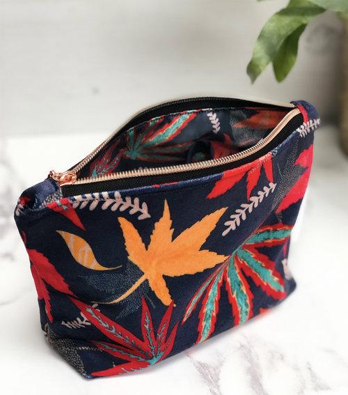 Shimmer Velvet Zipper Pouch – Acers