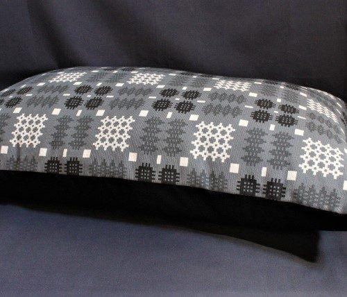 Welsh Tapestry Print Dog Bed