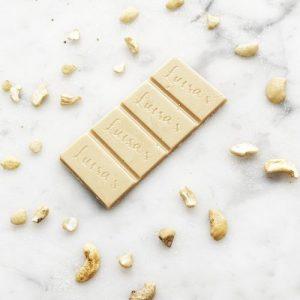Bar 25g White Casholate - white chocolate flatlay redo 500x500