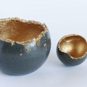 WABI SABI CONCRETE SPHERE, charcoal 16 cm - MG 7577 500x500