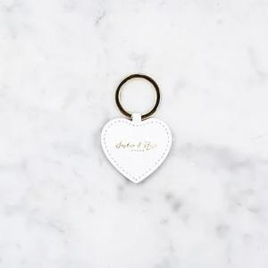 Heart keychain – white saffiano