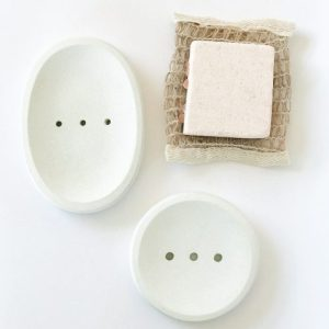 Concrete oval soap dish (white) - 4C5E1F78 54E1 466D 8AD0 5754092243EF 99F31641 FBF7 4257 AA1A FAAF295694BE 500x500
