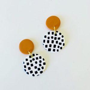 Dotty - Medium Earring (Orange Stud) - IMG 1990 500x500