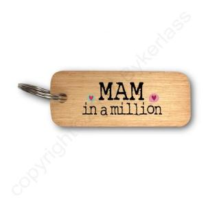 Mam In A Million Rustic Wooden Keyring – RWKR1 – Pack of 6