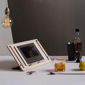Detablet tablets stand