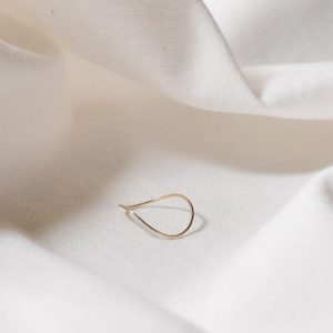 9ct recycled gold hammered wave ring - gold wave ring 1 500x500