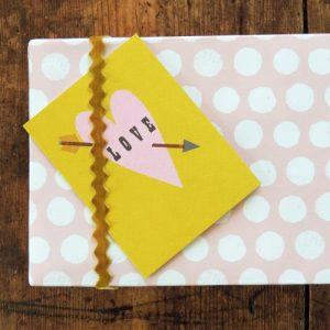 TW44 mini love card