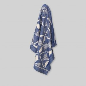 Tea towel diamond pattern in blue/ecru