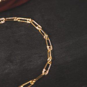 Vivienne Safety Pin Choker Necklace – Gold