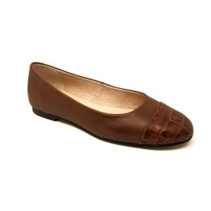 Giselle ballerinas in leather-colored leather and coconut toe