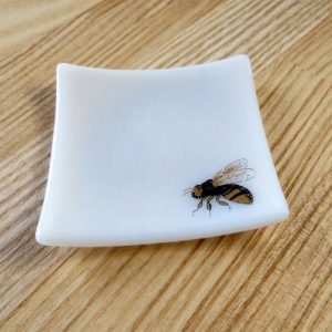 White and gold bee fused glass ring dish
