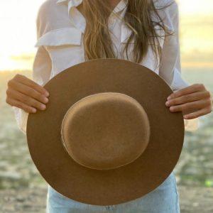 Alpaca flat hat – Camel
