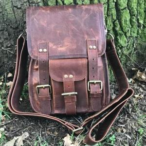 Barrowby – Classic Leather Satchel – Brown