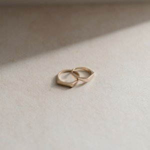 Recycled 9ct Gold Signet Ring - GoldSignetRing2 500x500
