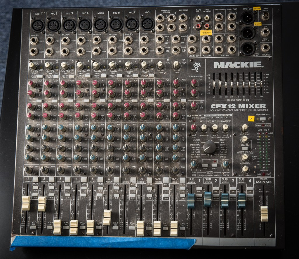 Mackie CFX 12 Channel Mixer