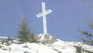 Crucea metalica de pe Muntele Mic