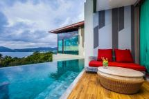 Patong Sea View Deluxe Pool Access Crest