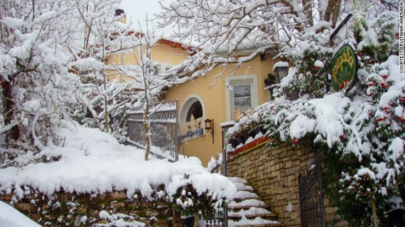 cnn-winter-vacations-greece-04