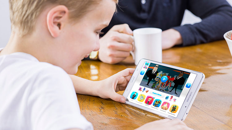 kids-playing-with-tablets