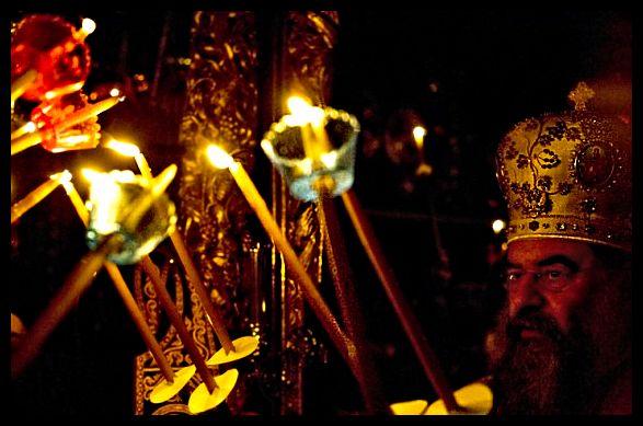 pasxalines-lampades-pasxa-ekklisia