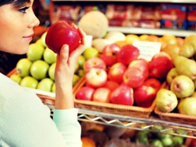 Τα 12 πιο «μολυσμένα» φρούτα και λαχανικά