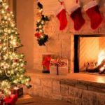 Tips για να μην αρπάξει φωτιά το χριστουγεννιάτικο δέντρο