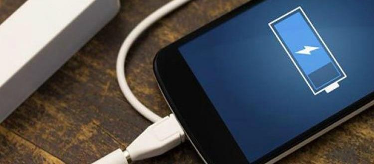 5 κόλπα για να φορτίσετε πιο γρήγορα το κινητό σας