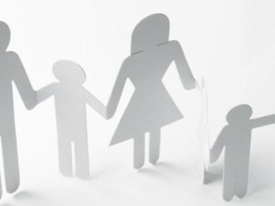 Τέλος Μαρτίου η δόση για το επίδομα παιδιού