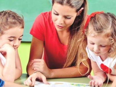 Κοροϊδεύει η ΝΔ για τις προσλήψεις εκπαιδευτικών
