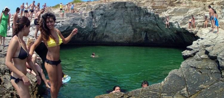 Η φυσική τιρκουάζ «πισίνα» της Θάσου