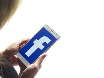 Κατάθλιψη στα κορίτσια λόγω Facebook