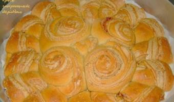 Γλυκό νηστίσιμο ψωμί με ταχίνι και «fusion» επιρροές