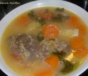 Κρεατόσουπα με λαχανικά και ξινόχοντρο