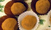 Τρουφάκια σοκολάτας – κάστανου με ζαχαρούχο γάλα