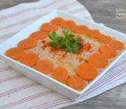 Κοτοσαλάτα με σκορδάτη σάλτσα καρυδιών