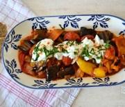Σαλάτα (ή σάλτσα) με ψητές πιπεριές και μελιτζάνες