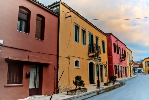 Το πιο πολύχρωμο και βραβευμένο χωριό της χώρας βρίσκεται στην Κρήτη