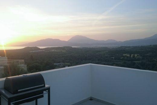Modern new build villa in Kamilari with sea view.