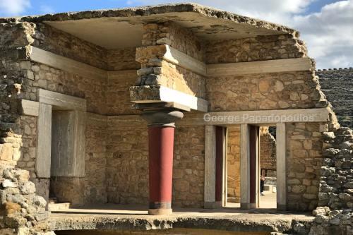 Knossos Minoan Column