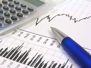 Empresarios aceptarían más impuestos si se frena descalabro en el gasto público