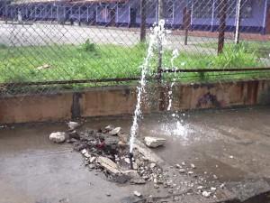 Las fugas es una de las principales causas del faltante de agua. CRH