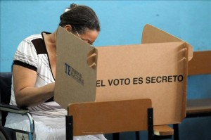 Perfil del votante: ticos mayores de 40 años elegirán presidente.CRH