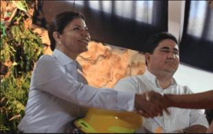En la imagen, la Presidenta Laura Chinchilla, junto al ministro Pedro Castro. CRH