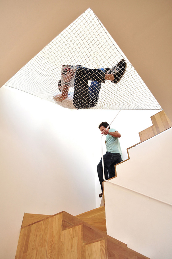 #13 - Rede suspensa na escada