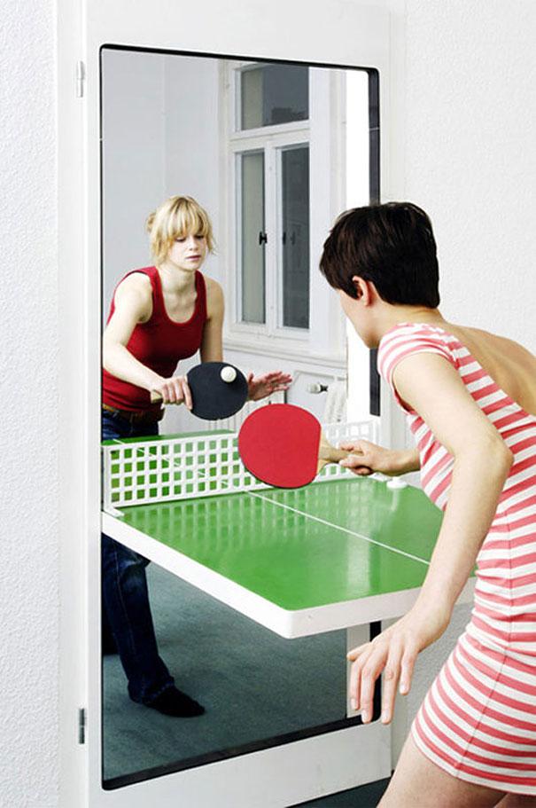 #22 - A porta da sua agência/casa pode virar uma mesa de tênis de mesa.