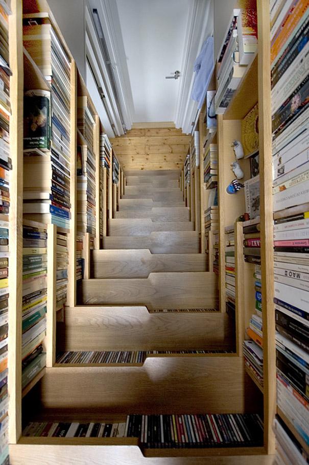 #9 - Escada criada com livros