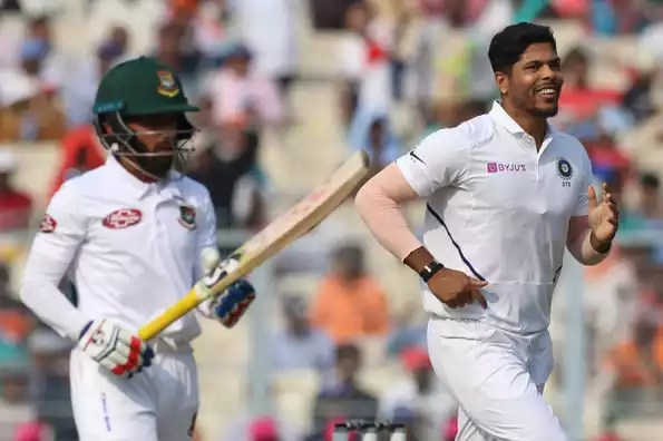 Umesh Yadav picked three wickets in the first session.