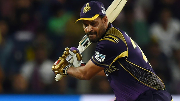 This image has an empty alt attribute; its file name is Kolkata-Knight-Riders-Yusuf-Pathan-plays-a-shot.jpg