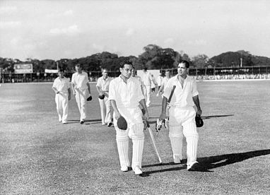 Vinoo_Mankad_and_Pankaj_Roy_after_record_breaking_opening_stand_1956