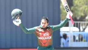 Mushfiqur-s-century-that-came-in-108-balls-was-the-first-century-scored-by-a-Bangladesh-batsman-against-South-Africa-across-any-format.